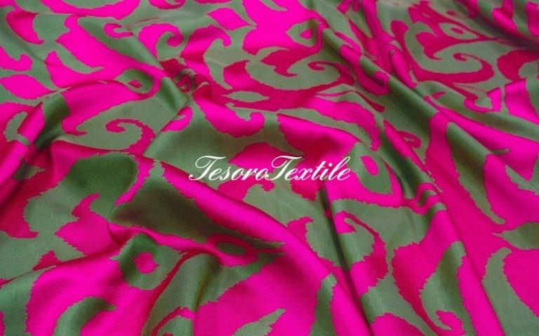 Портьерная ткань ILLUSTRE цвет фуксия с оливковым